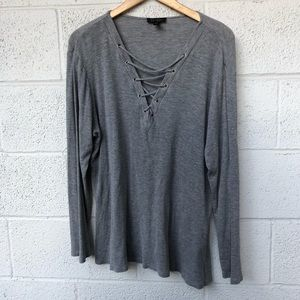 EUC Jessica Simpson Grey top